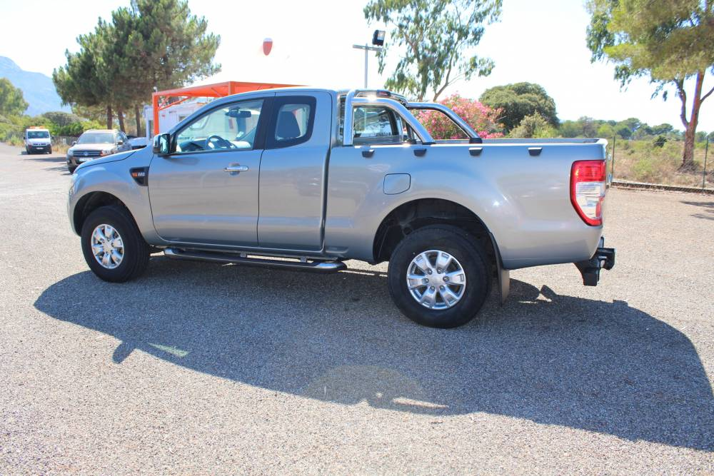 ford ranger 2 2l tdci 150cv club cab xlt sport 4 places 1ere main 33000 km tva recuperable 2013. Black Bedroom Furniture Sets. Home Design Ideas